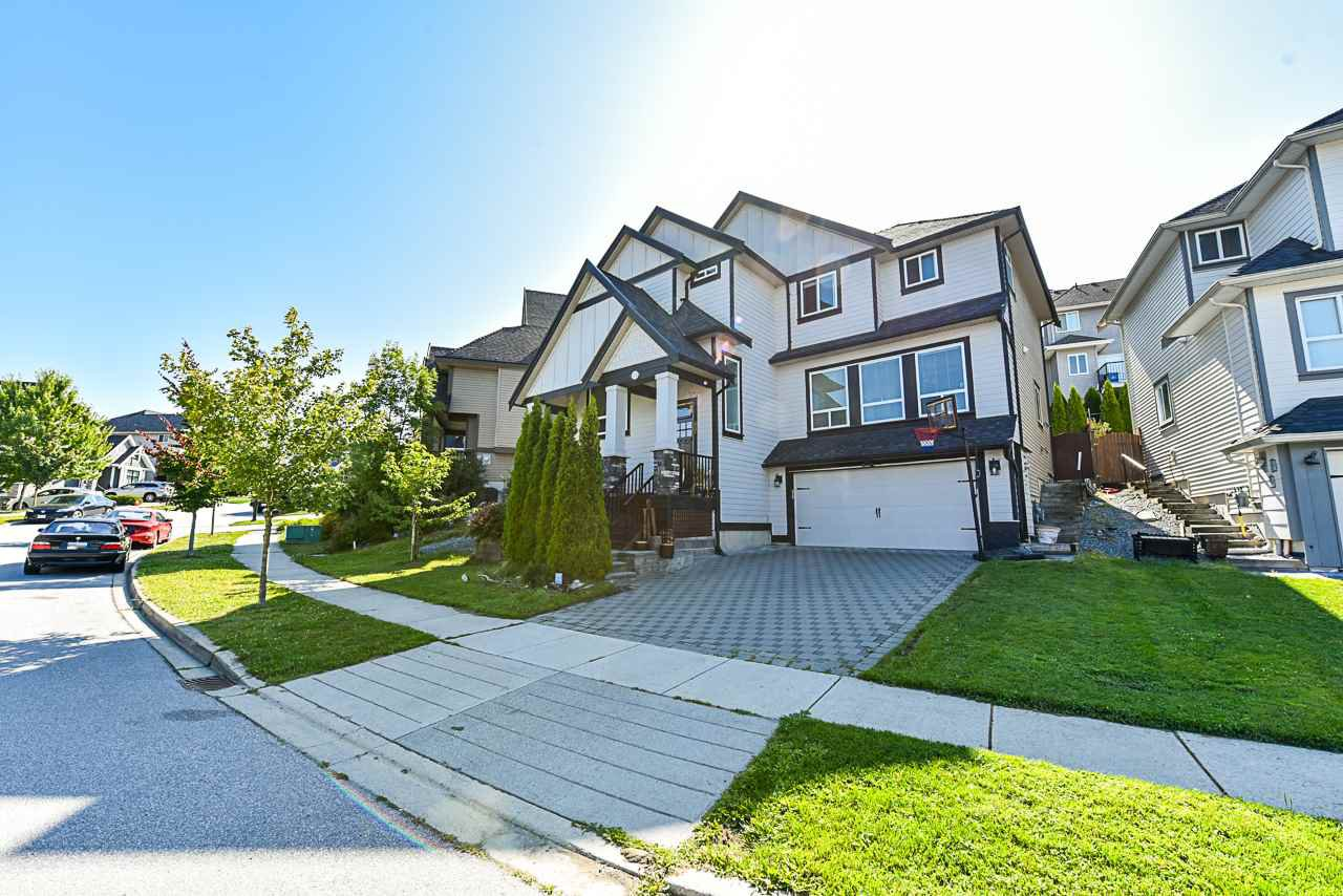 "Main Photo: 7132 178 Street in Surrey: Cloverdale BC House for sale in ""Provinceton"" (Cloverdale)  : MLS®# R2391647"
