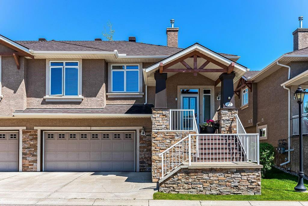 Main Photo: 22 DISCOVERY WOODS Villa SW in Calgary: Discovery Ridge Semi Detached for sale : MLS®# C4259210