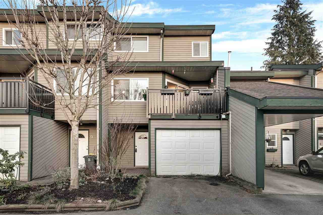 """Main Photo: 8 12120 189A Street in Pitt Meadows: Central Meadows Townhouse for sale in """"Meadow Estates"""" : MLS®# R2438965"""