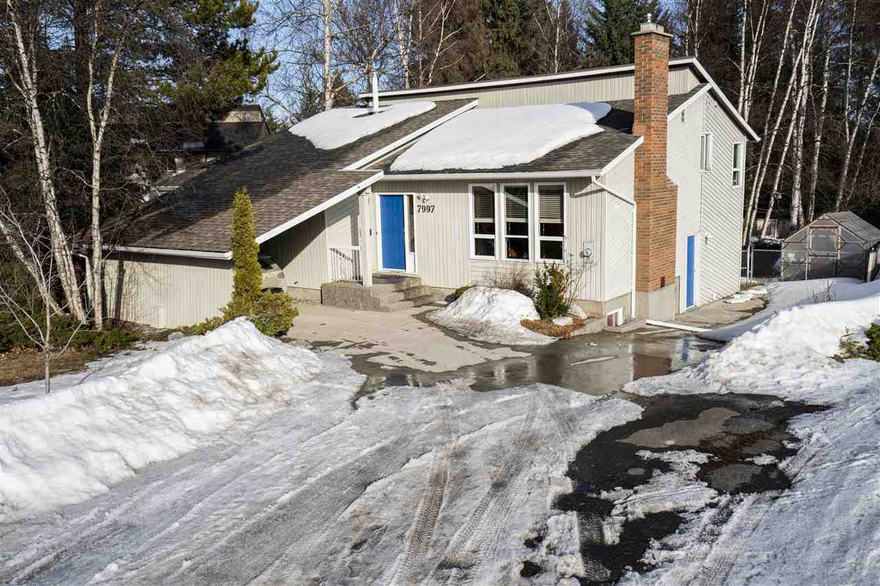 """Main Photo: 7997 ST. JOHN Crescent in Prince George: St. Lawrence Heights House for sale in """"St.Lawrence Heights"""" (PG City South (Zone 74))  : MLS®# R2446472"""