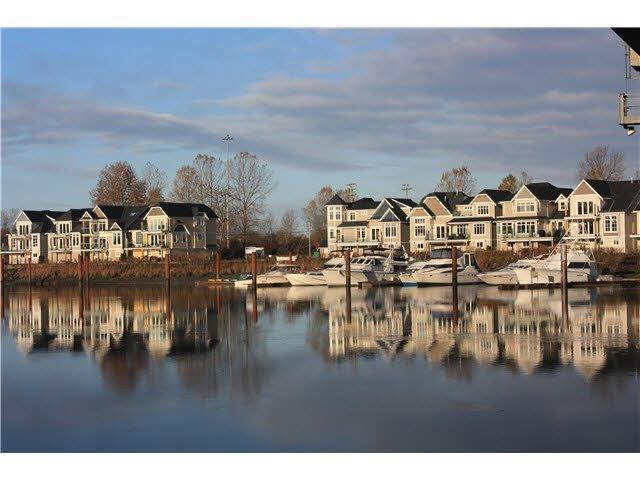 Main Photo: 8 23740 DYKE ROAD in : Hamilton RI House for sale : MLS®# V1134955
