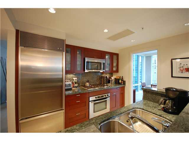 """Photo 4: Photos: 1804 590 NICOLA Street in Vancouver: Coal Harbour Condo for sale in """"CASCINA @ WATERFRONT PLACE"""" (Vancouver West)  : MLS®# V862282"""