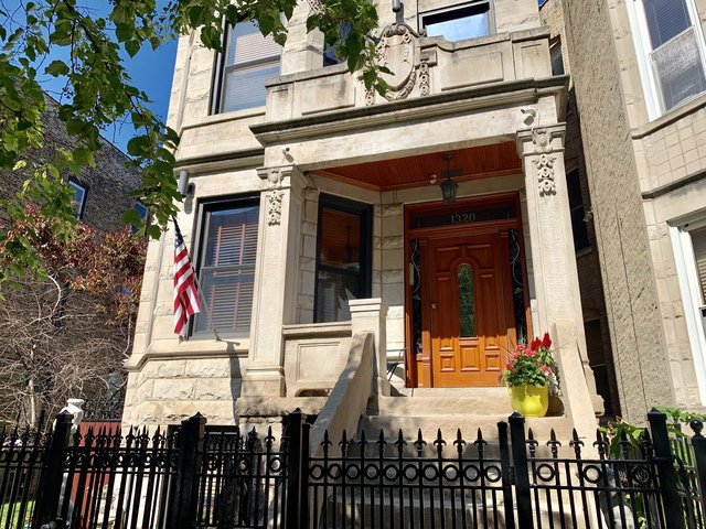 Main Photo: 1320 Claremont Avenue in CHICAGO: CHI - West Town Rentals for rent ()  : MLS®# 10450486