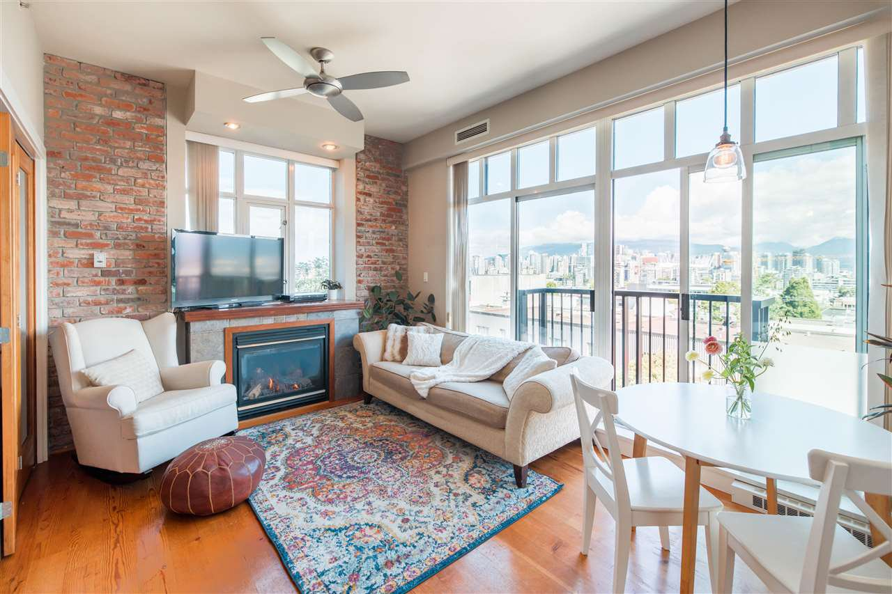 """Main Photo: 319 2515 ONTARIO Street in Vancouver: Mount Pleasant VW Condo for sale in """"ELEMENTS"""" (Vancouver West)  : MLS®# R2469260"""