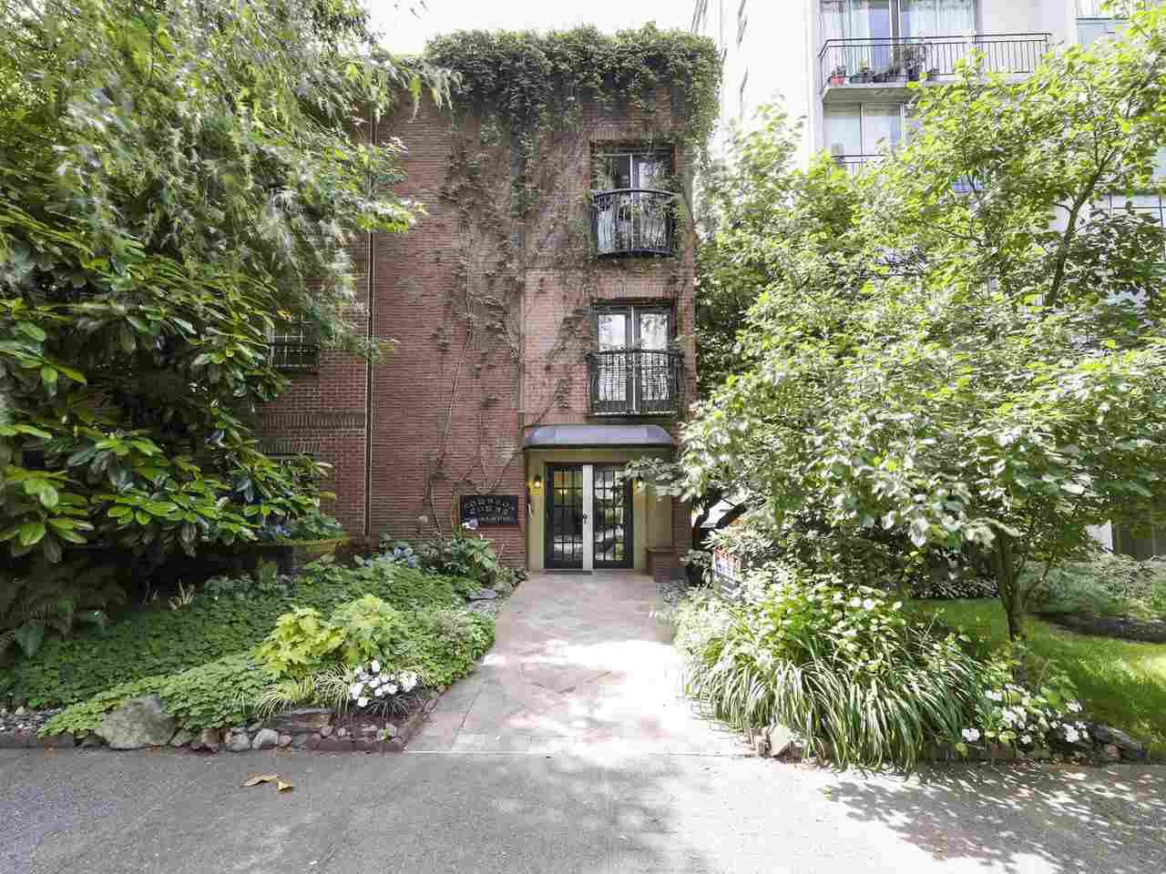 "Main Photo: 213 1940 BARCLAY Street in Vancouver: West End VW Condo for sale in ""Bourbon Court"" (Vancouver West)  : MLS®# R2473241"