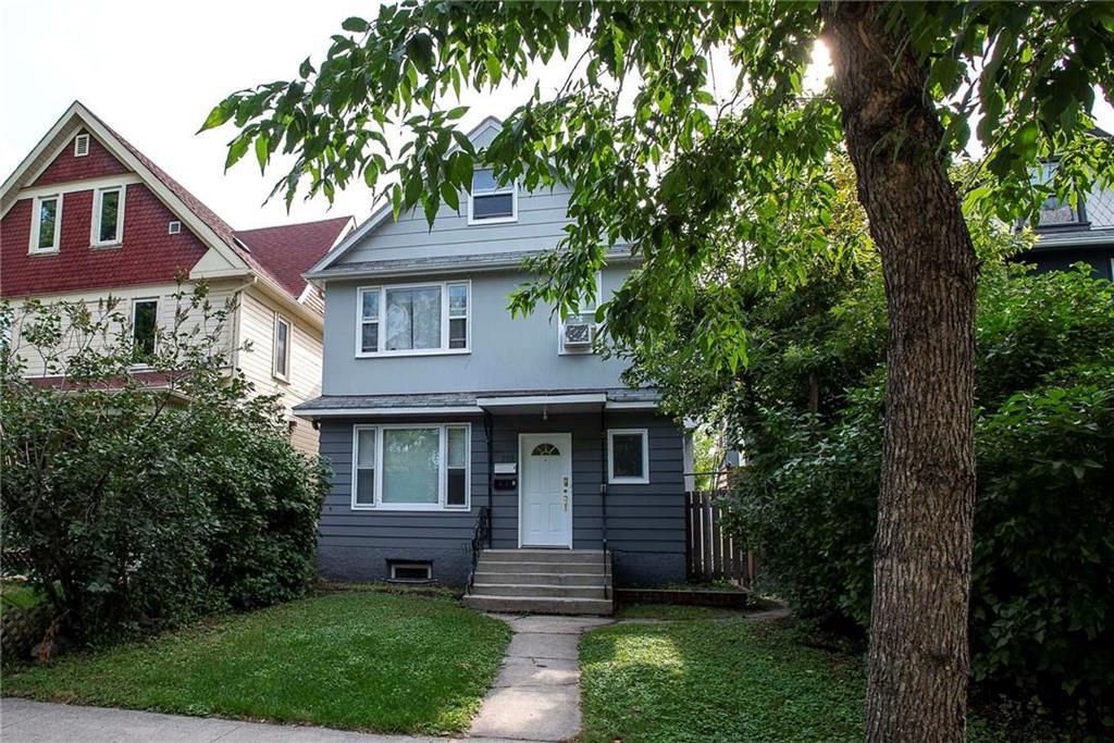 Main Photo: 255 Spence Street in Winnipeg: West Broadway Residential for sale (5A)  : MLS®# 202023427