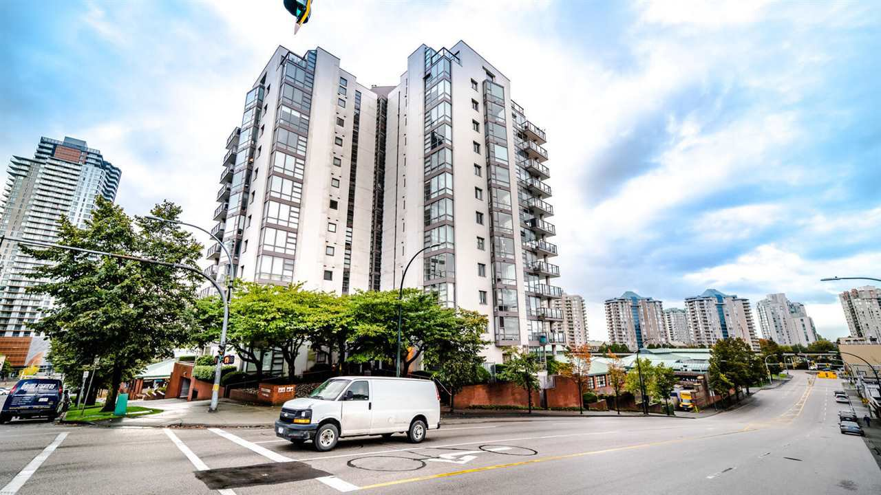 """Main Photo: 203 98 TENTH Street in New Westminster: Downtown NW Condo for sale in """"Plaza Pointe"""" : MLS®# R2507458"""