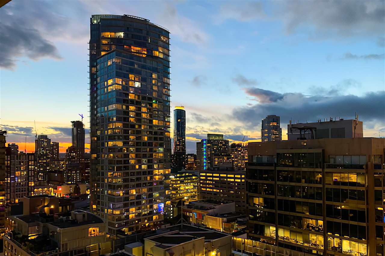 """Main Photo: 2306 777 RICHARDS Street in Vancouver: Downtown VW Condo for sale in """"TELUS GARDEN"""" (Vancouver West)  : MLS®# R2512538"""