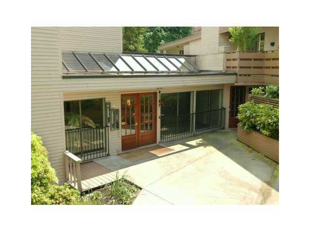 """Main Photo: 405 1385 DRAYCOTT Road in North Vancouver: Lynn Valley Condo for sale in """"BROOKWOOD NORTH"""" : MLS®# V844289"""