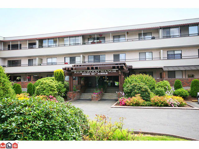 "Main Photo: 106 20420 54TH Avenue in Langley: Langley City Condo for sale in ""Ridgewood Manor"" : MLS®# F1022963"