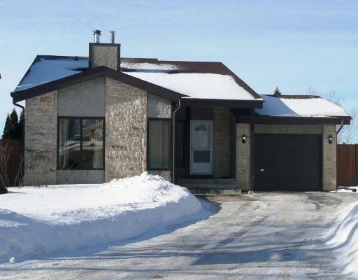Main Photo: 42 TRANQUIL Bay in WINNIPEG: Fort Garry / Whyte Ridge / St Norbert Residential for sale (South Winnipeg)  : MLS®# 2903385