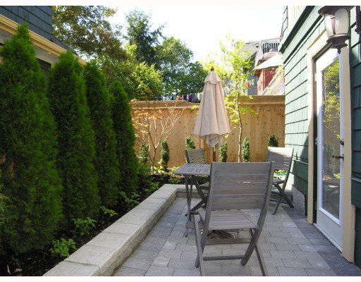 Photo 9: Photos: 2326 W 5TH Avenue in Vancouver: Kitsilano House 1/2 Duplex for sale (Vancouver West)  : MLS®# V781900