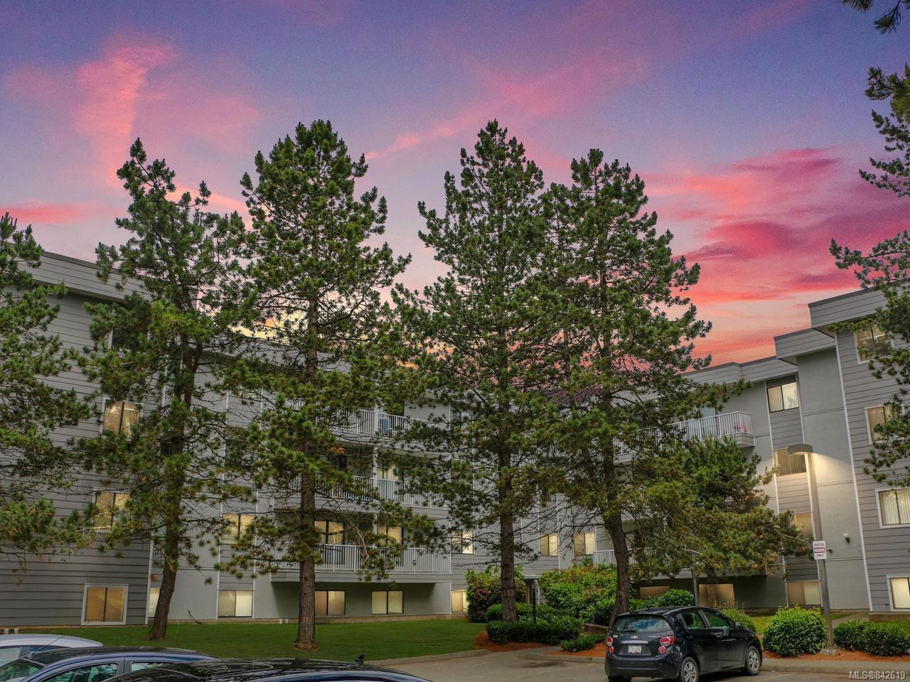 Main Photo: 214 175 Centennial Dr in COURTENAY: CV Courtenay East Condo for sale (Comox Valley)  : MLS®# 842619