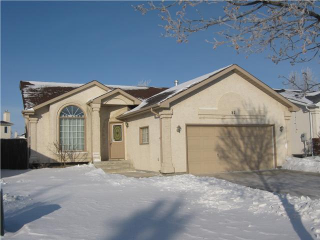 Main Photo: 82 Gull Wing Bay in WINNIPEG: Windsor Park / Southdale / Island Lakes Residential for sale (South East Winnipeg)  : MLS®# 1000369