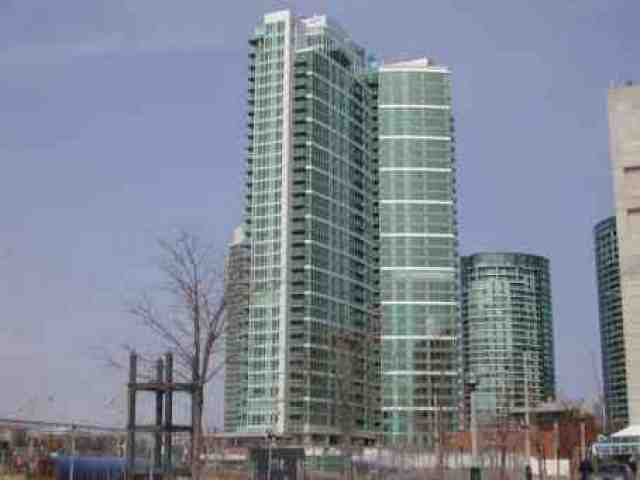 Main Photo: 7 81 Navy Wharf Court in Toronto: Condo for sale (C01: TORONTO)  : MLS®# C1522583