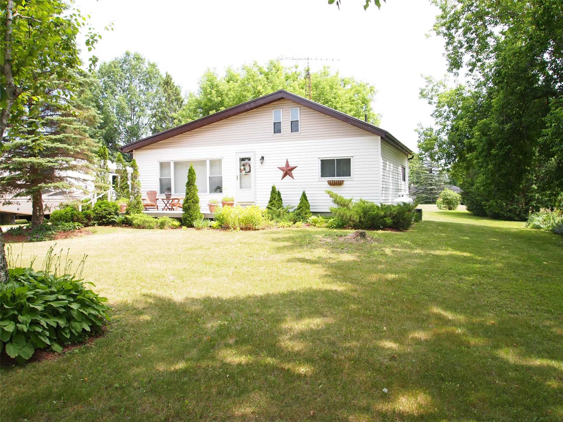 Main Photo: 46 Mitchellview Drive in Kawartha Lakes: Kirkfield House (Bungalow) for sale : MLS®# X4512797