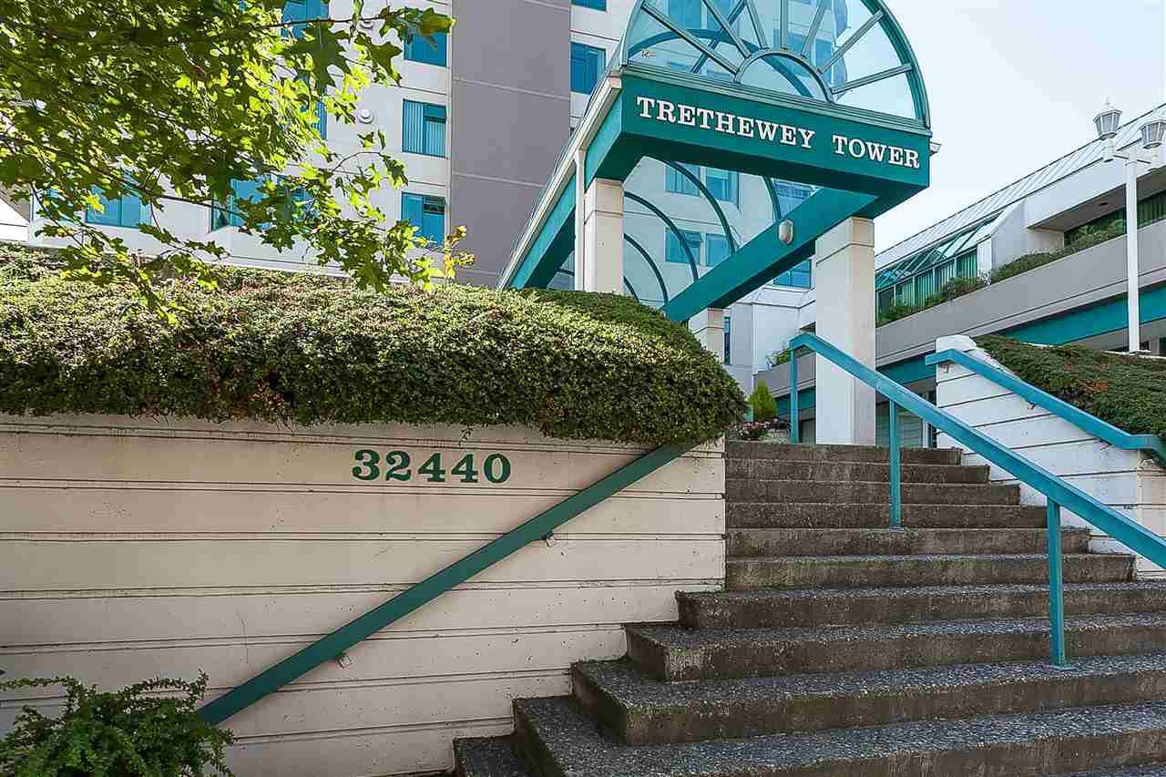 "Main Photo: 1101 32440 SIMON Avenue in Abbotsford: Abbotsford West Condo for sale in ""Trethewey Tower"" : MLS®# R2433394"