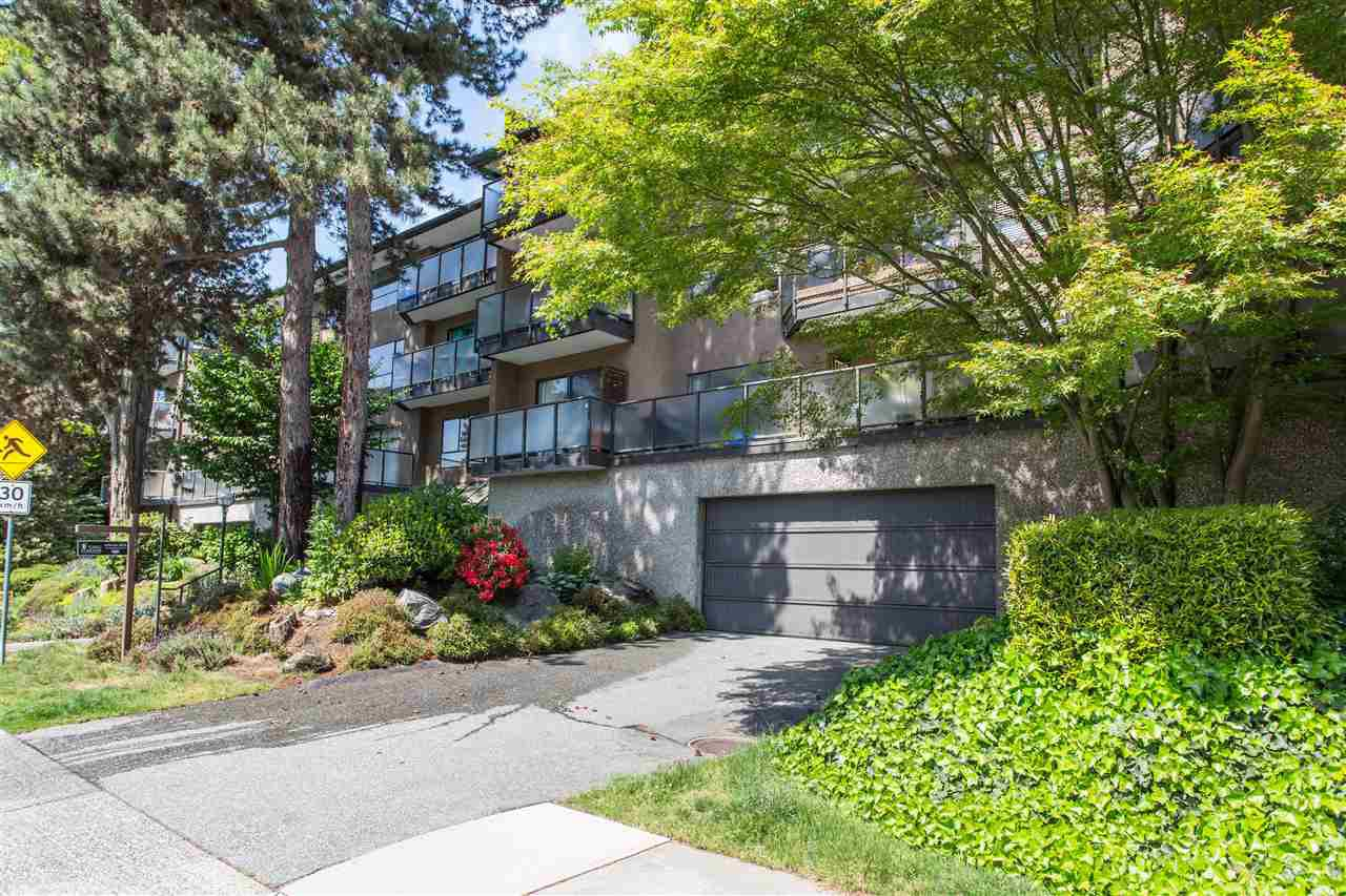 "Main Photo: 331 210 W 2ND Street in North Vancouver: Lower Lonsdale Condo for sale in ""Viewport"" : MLS®# R2457136"