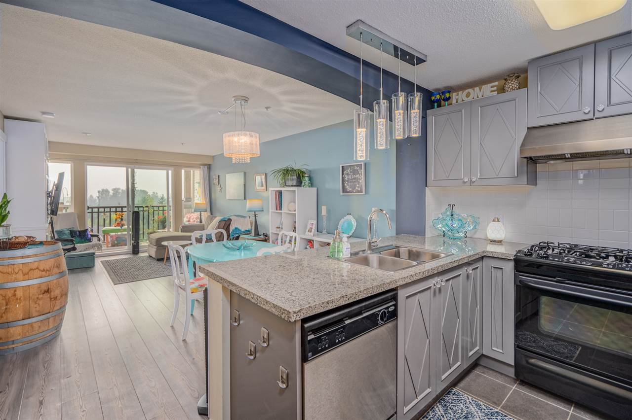 """Main Photo: 301 3082 DAYANEE SPRINGS Boulevard in Coquitlam: Westwood Plateau Condo for sale in """"THE LANTERNS"""" : MLS®# R2499078"""
