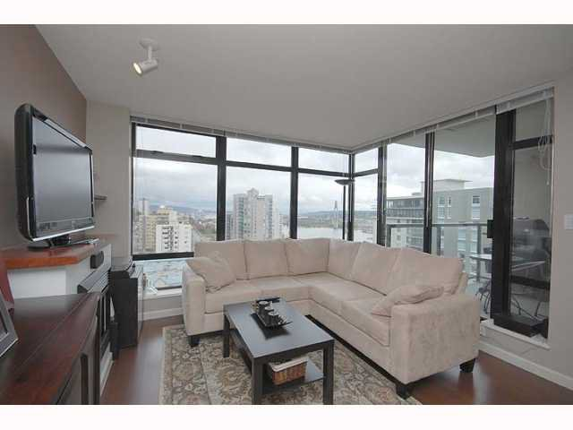 "Photo 5: Photos: 1606 610 VICTORIA Street in New Westminster: Downtown NW Condo  in ""THE POINT"" : MLS®# V819393"