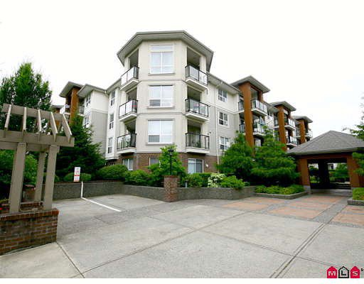"Main Photo: 309 20239 MICHAUD Crescent in Langley: Langley City Condo for sale in ""CITY GRANDE"" : MLS®# F2823158"
