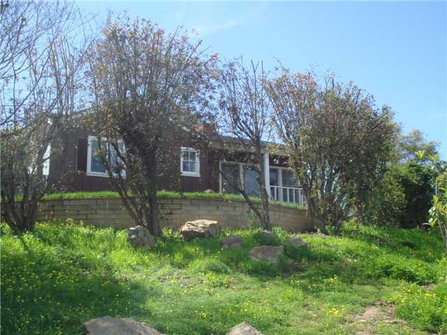 Main Photo: SPRING VALLEY House for sale : 2 bedrooms : 3460 Diversion Dr