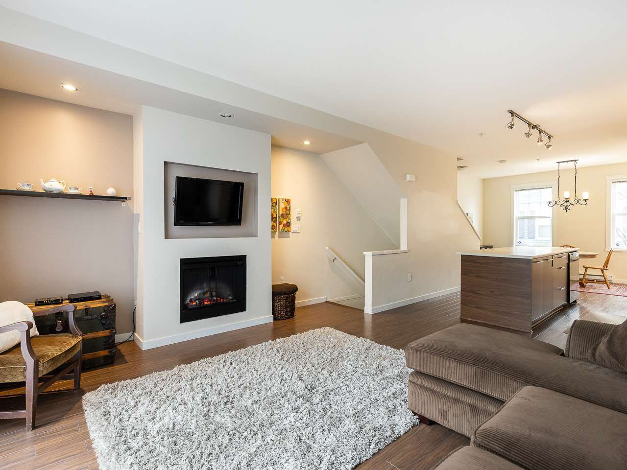 """Main Photo: 13 2495 DAVIES Avenue in Port Coquitlam: Central Pt Coquitlam Townhouse for sale in """"Arbour by Mosaic"""" : MLS®# R2434032"""