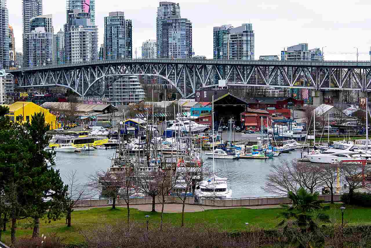 """Main Photo: 501 1470 PENNYFARTHING Drive in Vancouver: False Creek Condo for sale in """"HARBOUR COVE II"""" (Vancouver West)  : MLS®# R2451821"""
