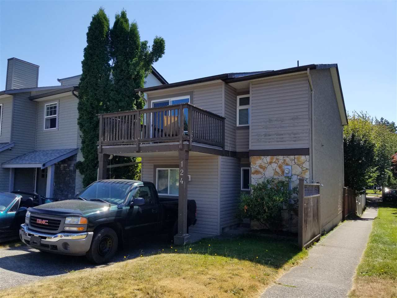 """Main Photo: 124 SPRINGFIELD Drive in Langley: Aldergrove Langley House for sale in """"Springfield Village"""" : MLS®# R2490873"""