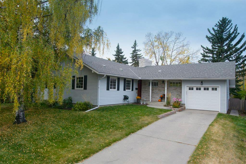 Main Photo: 35 Sydney Drive SW in Calgary: Southwood Detached for sale : MLS®# A1040691
