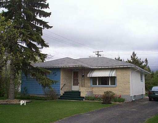 Main Photo: 34 DAVIS Crescent in WINNIPEG: Westwood / Crestview Single Family Detached for sale (West Winnipeg)  : MLS®# 2606499