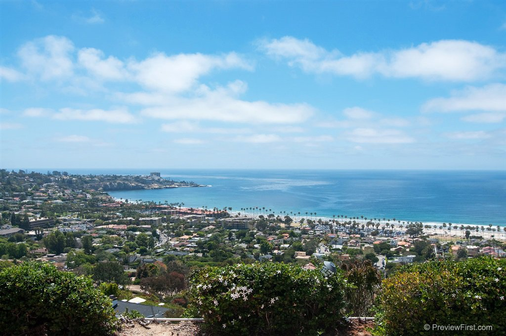 Main Photo: LA JOLLA House for rent : 4 bedrooms : 8330 Prestwick Drive