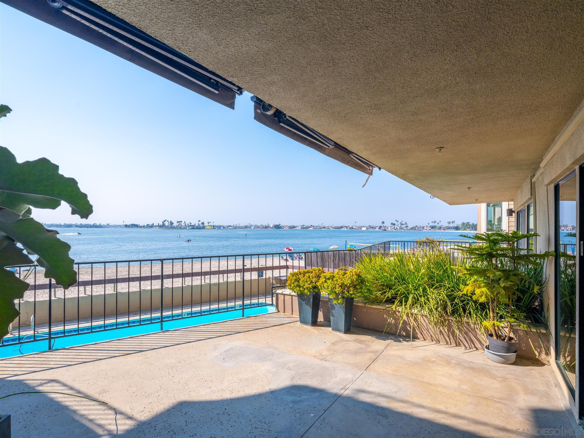 Main Photo: PACIFIC BEACH Condo for sale : 2 bedrooms : 1235 Parker Place #1F in San Diego