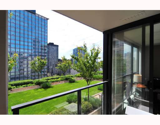 """Photo 8: Photos: 1216 933 HORNBY Street in Vancouver: Downtown VW Condo for sale in """"ELECTRIC AVENUE"""" (Vancouver West)  : MLS®# V724284"""
