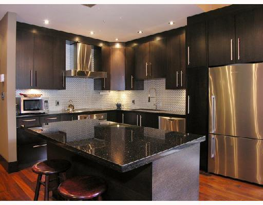 "Main Photo: 102 1970 HARO Street in Vancouver: West End VW Condo for sale in ""LAGOON ROYALE"" (Vancouver West)  : MLS®# V726155"