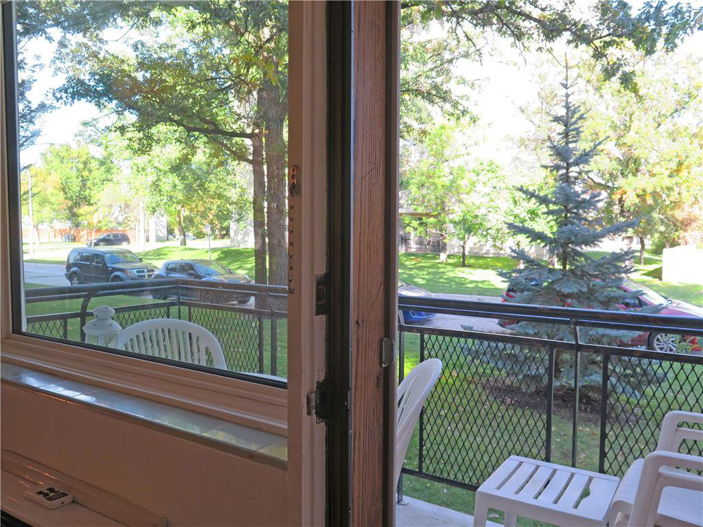 Photo 15: Photos: 5 1700 Taylor Avenue in Winnipeg: River Heights South Condominium for sale (1D)  : MLS®# 1925934