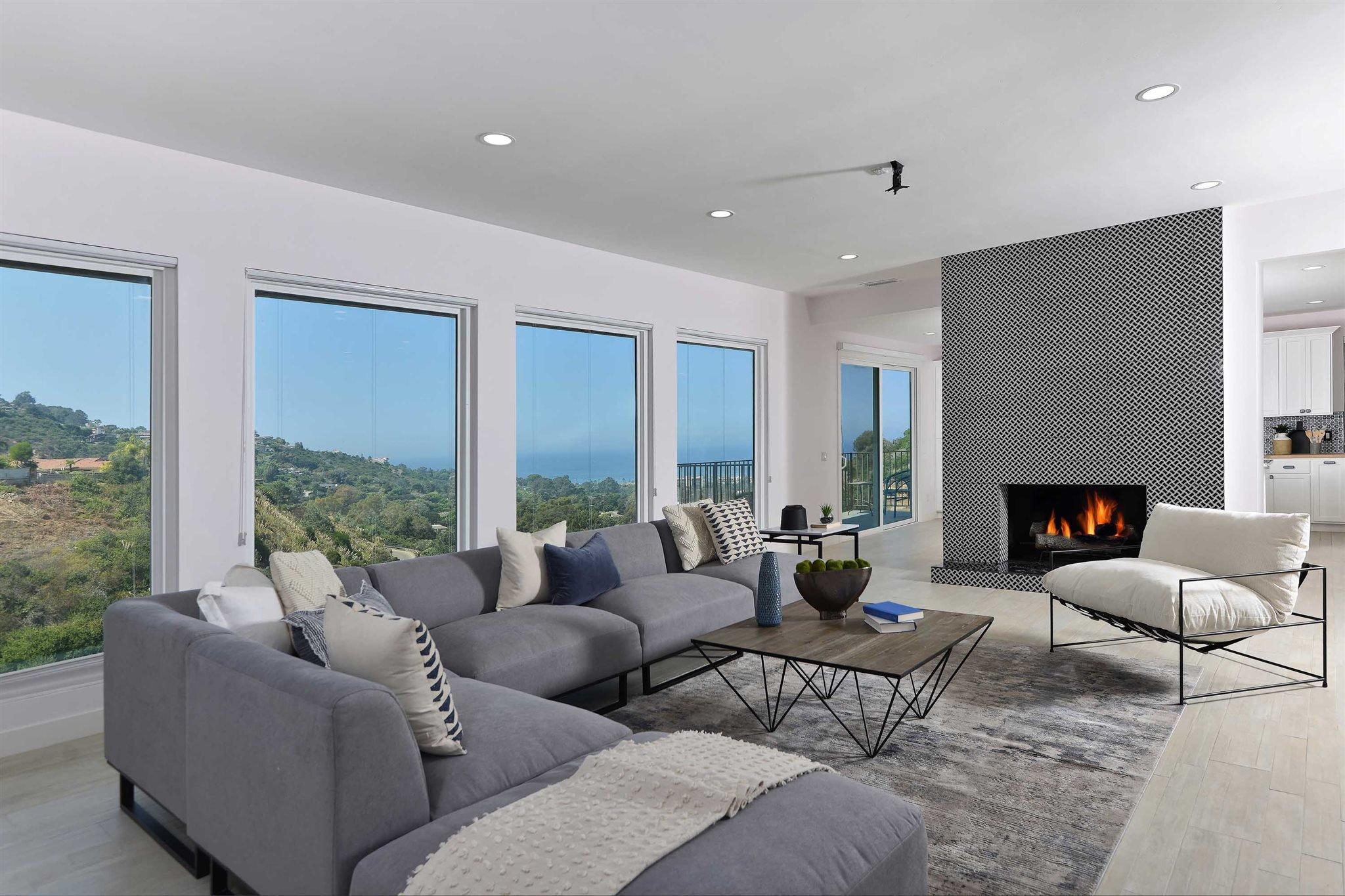 Main Photo: LA JOLLA Condo for rent : 4 bedrooms : 7658 Caminito Coromandel