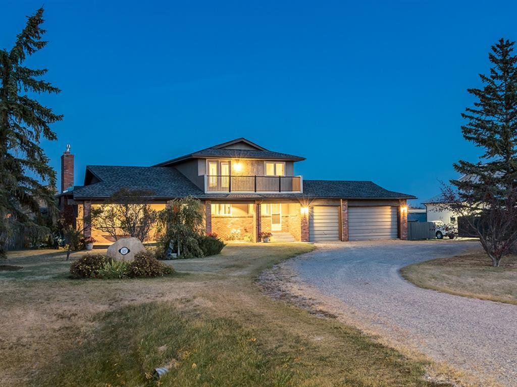 Main Photo: 327 LANSDOWN Estates in Rural Rocky View County: Rural Rocky View MD Detached for sale : MLS®# A1039006