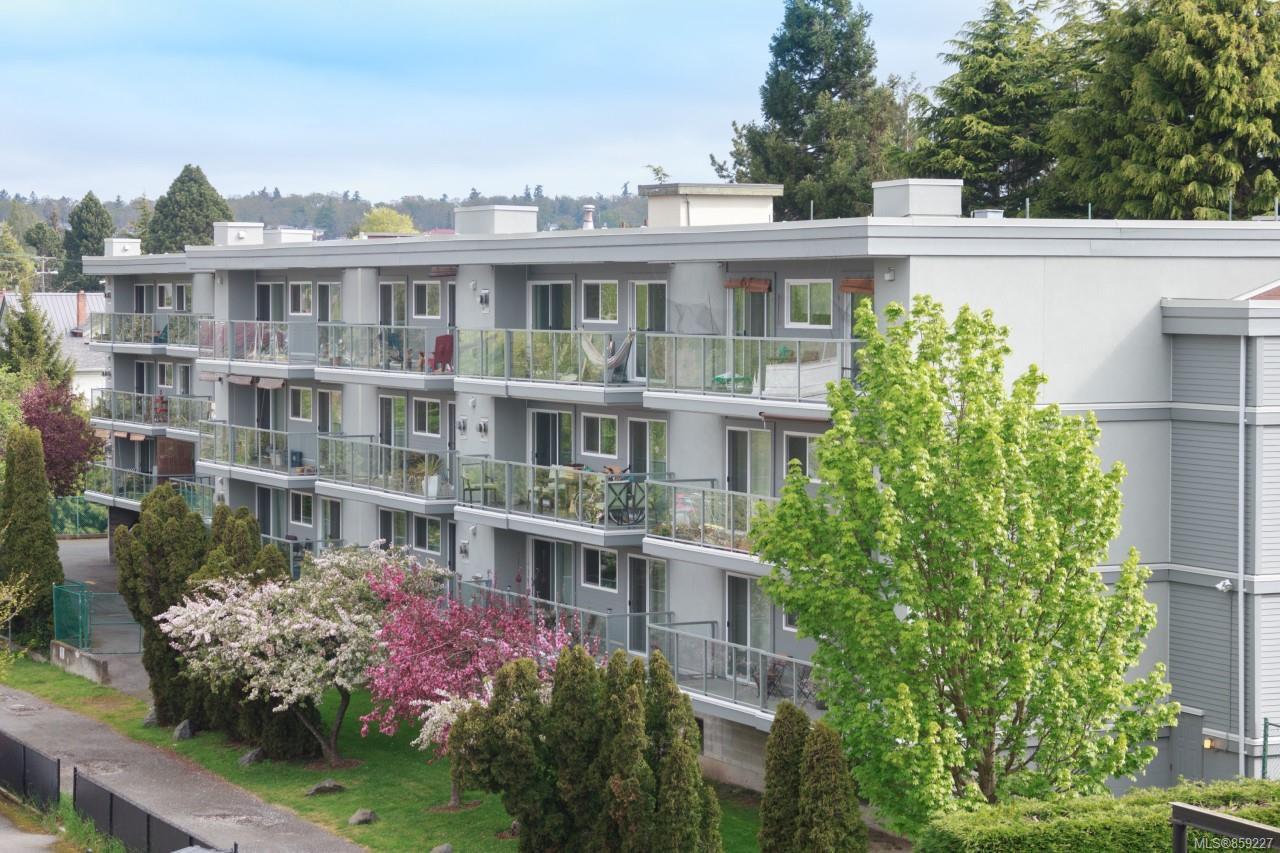 Main Photo: 303 2022 Foul Bay Rd in : Vi Jubilee Condo for sale (Victoria)  : MLS®# 859227