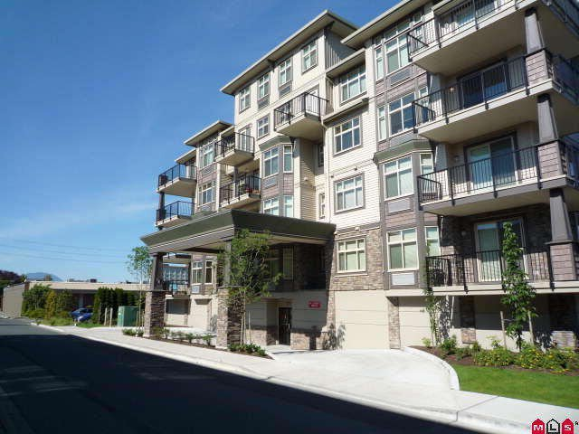 """Main Photo: 203 9060 BIRCH Street in Chilliwack: Chilliwack W Young-Well Condo for sale in """"THE ASPEN GROVE"""" : MLS®# H1002748"""