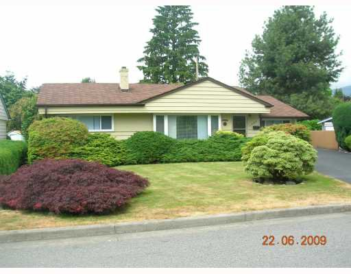 """Main Photo: 1269 DOGWOOD Crescent in North_Vancouver: Norgate House for sale in """"NORGATE"""" (North Vancouver)  : MLS®# V773935"""