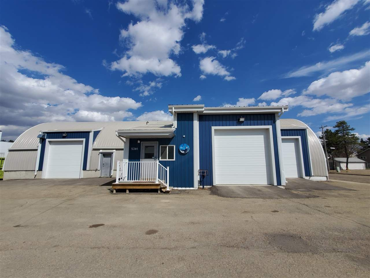 Main Photo: 5301 49 Street: Wetaskiwin Industrial for sale : MLS®# E4184030