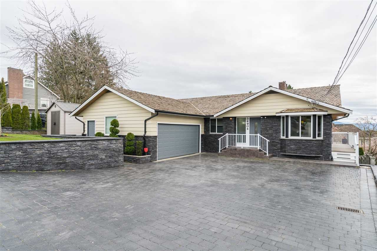 Main Photo: 34904 MARSHALL Road in Abbotsford: Abbotsford East House for sale : MLS®# R2449826
