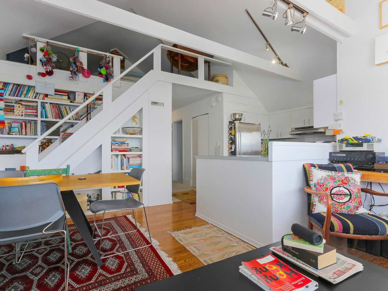 """Photo 8: Photos: 2610 W 10TH Avenue in Vancouver: Kitsilano House for sale in """"Kitsilano"""" (Vancouver West)  : MLS®# R2471992"""