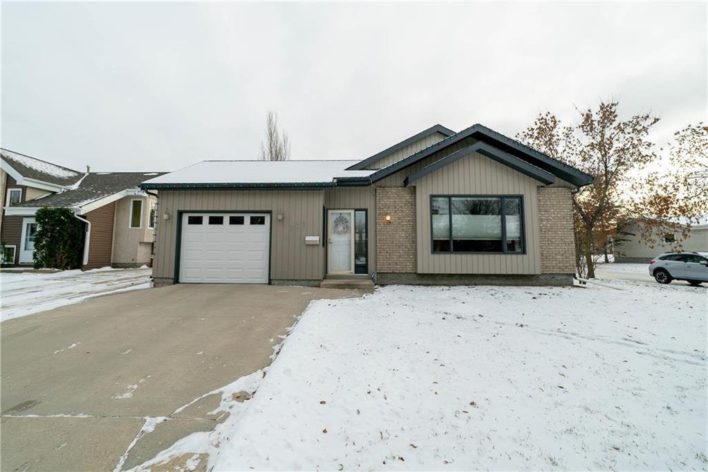 Main Photo: 375 RUTLEDGE Crescent in Winnipeg: Harbour View South Residential for sale (3J)  : MLS®# 1930990