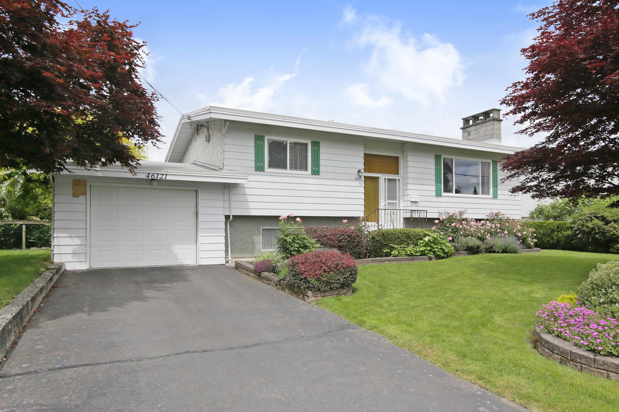 Main Photo: 46121 CLARE Avenue in Chilliwack: Fairfield Island House for sale : MLS®# R2464254
