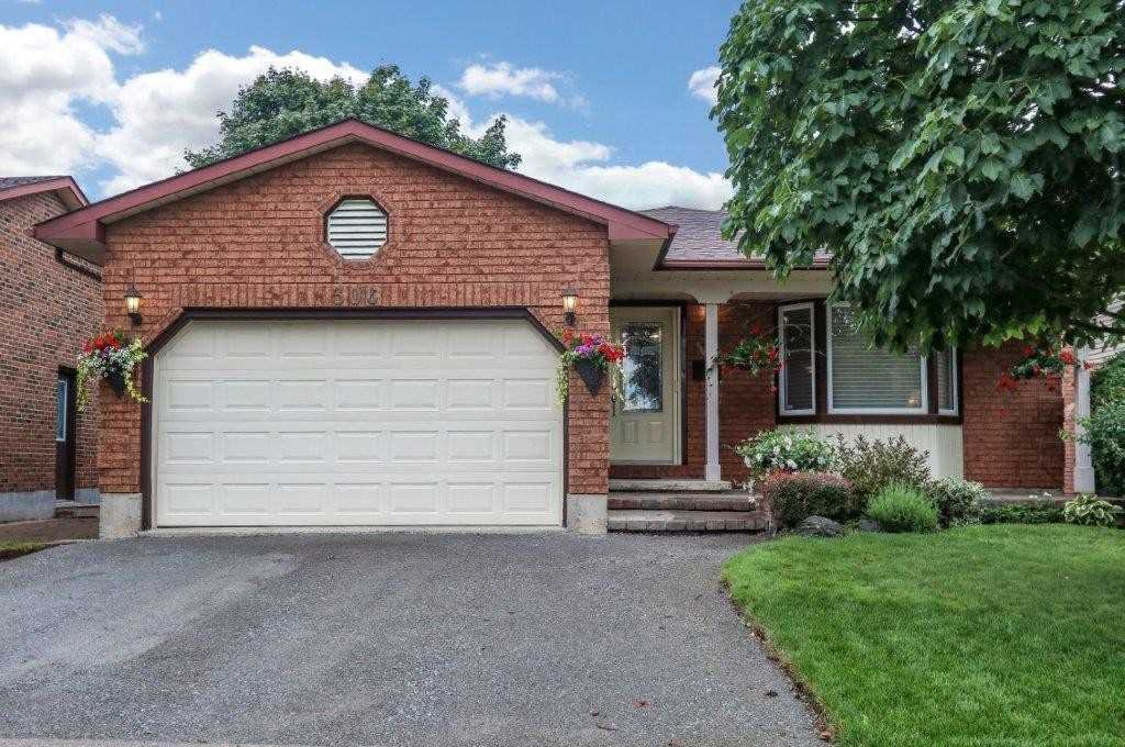 Main Photo: 306 Dickens Drive in Oshawa: Eastdale House (Backsplit 4) for sale : MLS®# E4858143