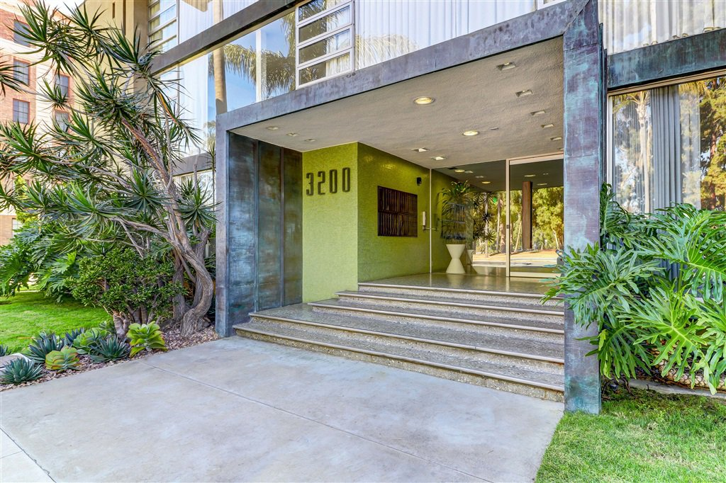 Main Photo: SAN DIEGO Condo for rent : 2 bedrooms : 3200 6th Avenue #106