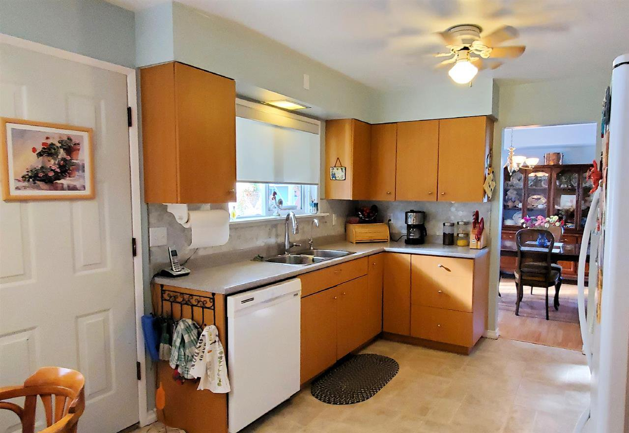 "Photo 13: Photos: 10097 KILLARNEY Drive in Chilliwack: Fairfield Island House for sale in ""FAIRFIELD"" : MLS®# R2495719"