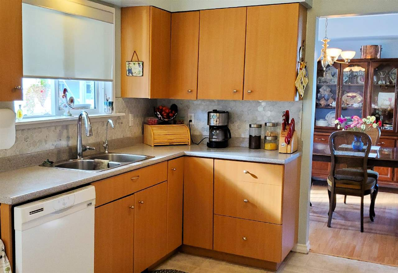 "Photo 11: Photos: 10097 KILLARNEY Drive in Chilliwack: Fairfield Island House for sale in ""FAIRFIELD"" : MLS®# R2495719"